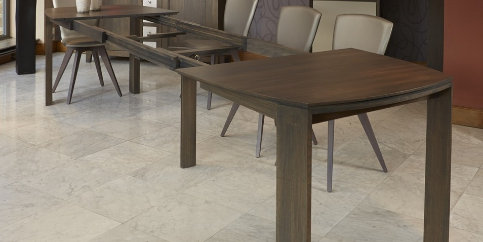 Table aero moderne extensible permet d 39 accueillir jusqu 39 a for Table 6 personnes dimensions