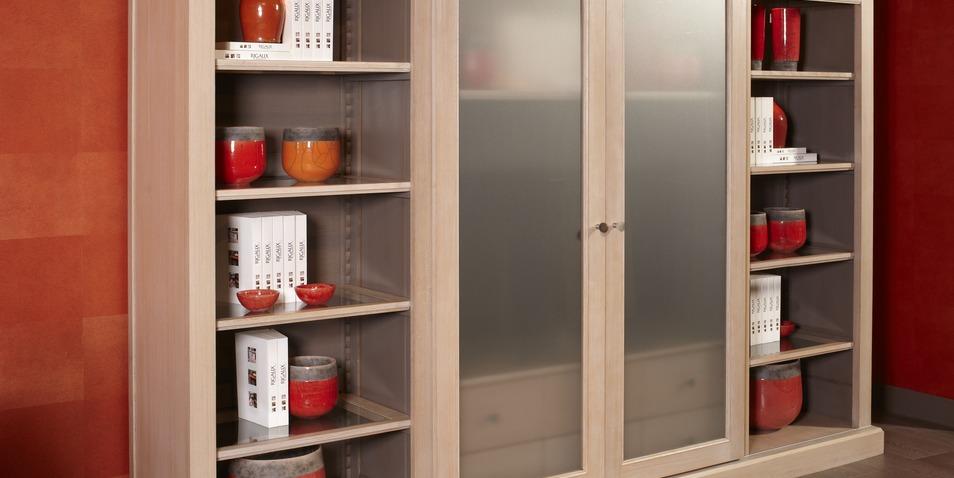 meuble tv linea avec portes coulissantes nombreux rangements disponibles les portes. Black Bedroom Furniture Sets. Home Design Ideas